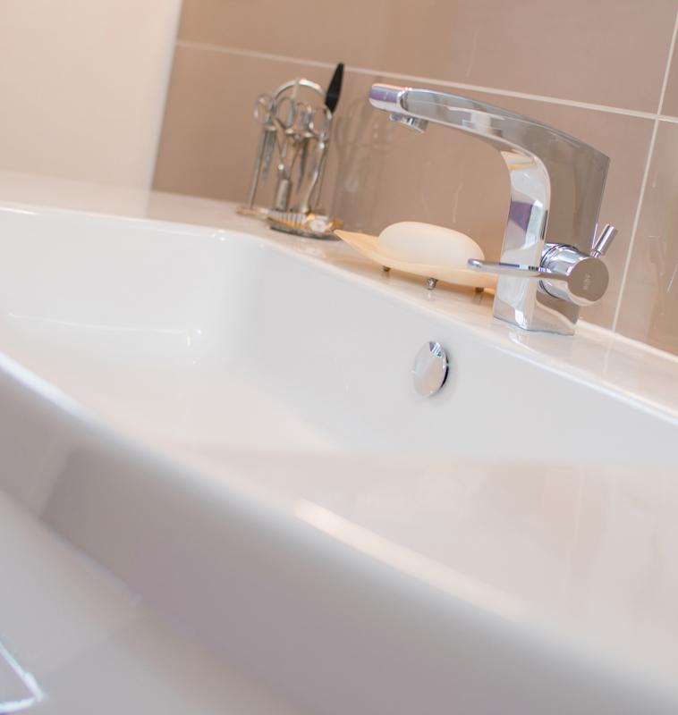 Neuer, moderner Wasserhahn von Glesiener Haustechnik